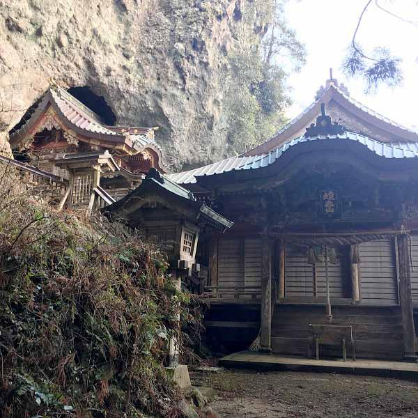 隠岐西ノ島焼火神社拝殿
